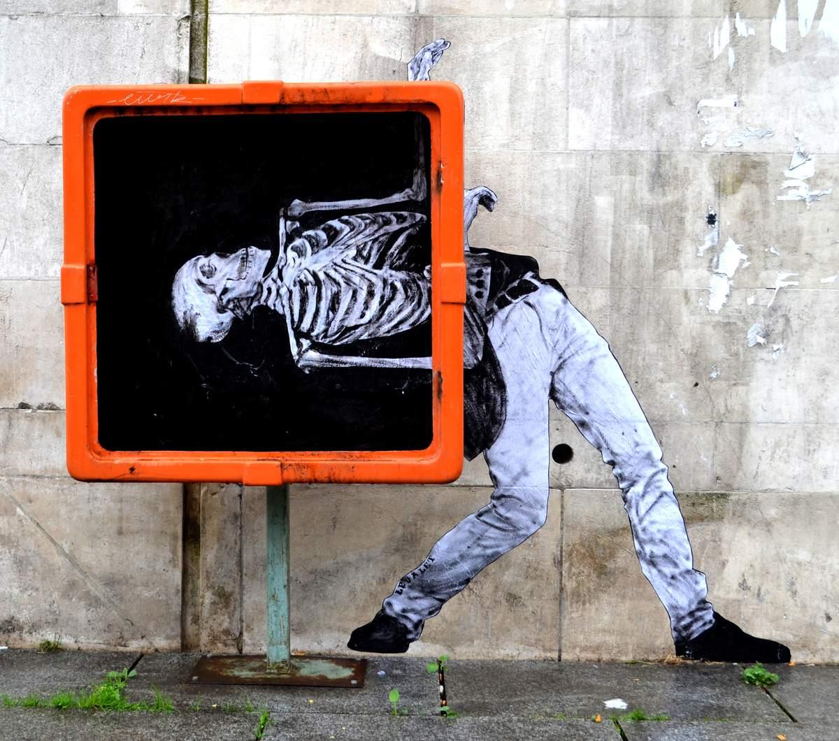 Charles Leval - Danse macabre, Canal de l'ourcq, Paris