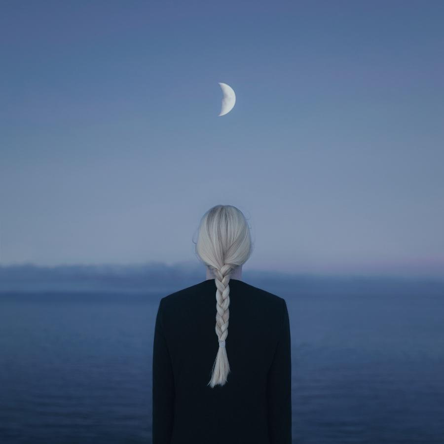 Gabriel Isak - The Illumination in the Dark